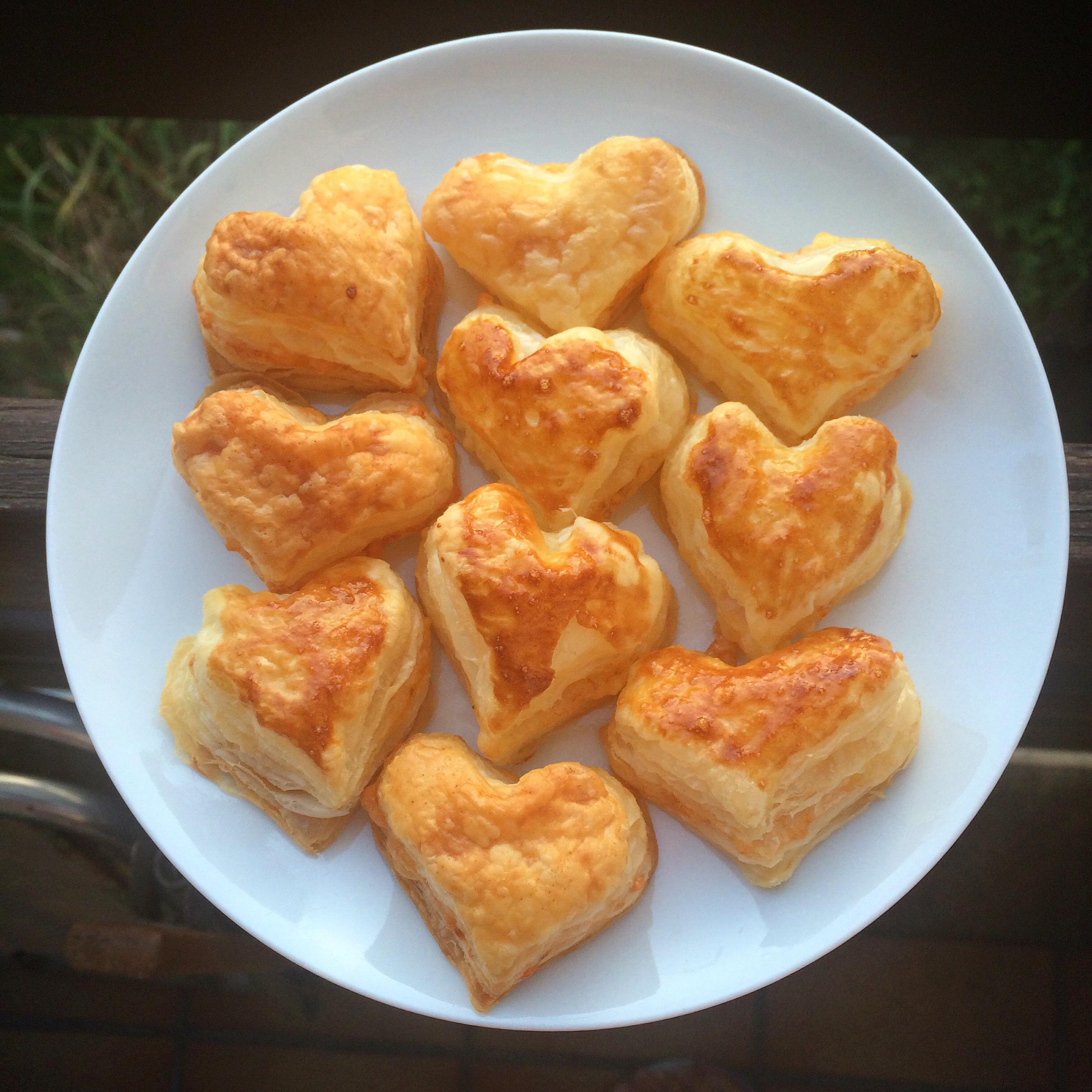 Blätterteig Käse Herzen